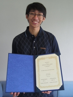 Mr. Mark Christian Guinto, 2nd year master course student of the Photonic Device Science Laboratory, received a Neuro2019 Domestic Travel Award from the Japan Neuroscience Society and the Japanese Society for Neurochemistry.