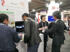 Many people came to experience NAIST's technology firsthand